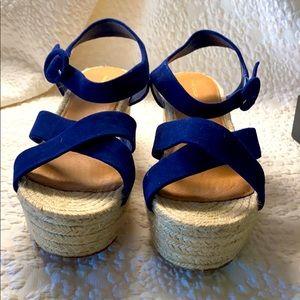 Halogen Blue Suede sandals size 11 EUC